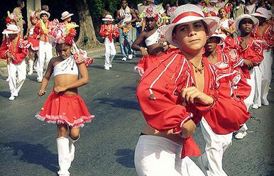 Festival de comparsas infantiles.